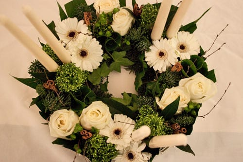 Interflora-Flower-School-Continental-Christmas