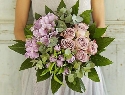 Garden-Gathering-Jane-Packer-Delivered-Bouquet