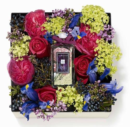 Коробки с цветами и духами