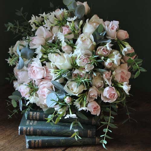 Real-Flower-Company-Scented-Pastel-Roses-and-Narcissi