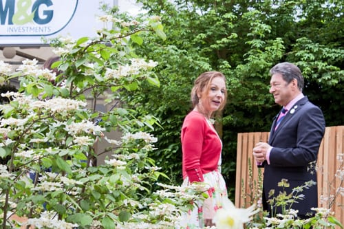 Alan-Titchmarsh-&-Jo-Thompson-Chelsea-2012-Flowerona