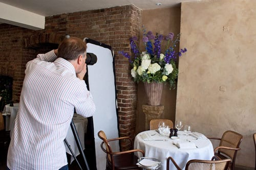 Clive-Nichols-Daphne's-Restaurant-Shoot-Flowerona