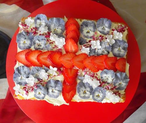 Eat-My-Flowers-jubilee-cake