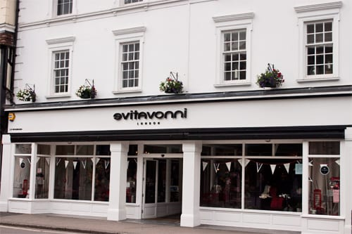 Evitavonni-Farnham-Flower-Shop-Flowerona