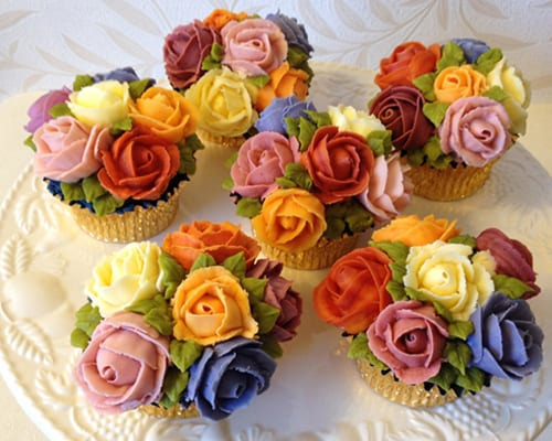 Incredible Italian Desserts together with Woodland Baby Shower additionally Stock Photo Fall Sweetgum Leaves Colorful Tree Ground Displaying Vibrant Colors Image34818630 also 20 New Things To Do At Walt Disney World further Introducing Cake Designer Maha Muhammed Of Arty Cakes. on fall cupcakes
