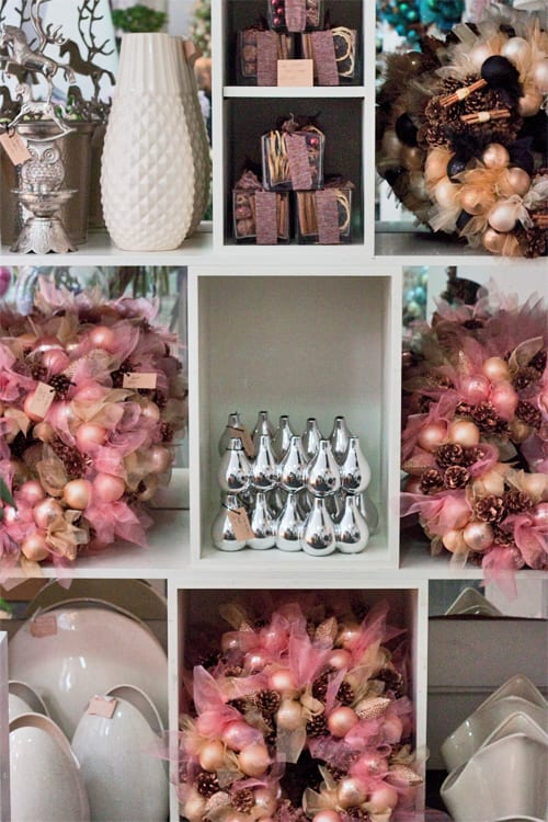 Jane-Packer-Shop-at-Christmas-Flowerona