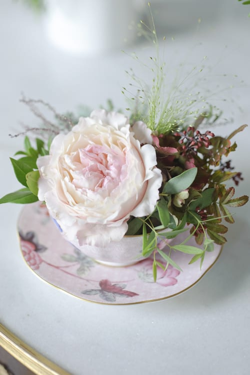 Keira-arrangement-in-china-cup-David-Austin-Roses