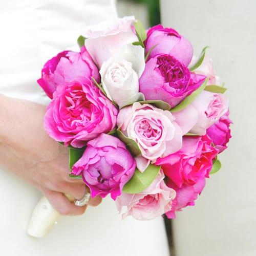 Mary-Jane-Vaughan-bride's-bouquet-garden-roses