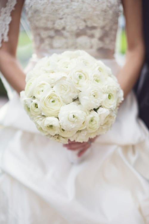 White-Wedding-Bouquet-Style-Me-Pretty-Vitalic-Photo