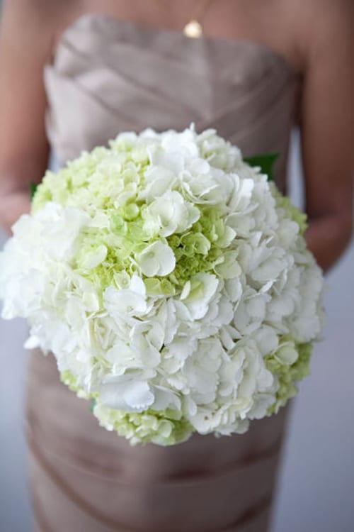 White-Wedding-Bouquet-Style-Me-Pretty-Volatile-Dawn-E-Roscoe-Photography