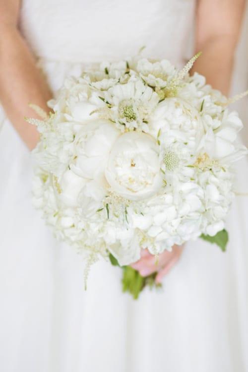 10 Beautiful white wedding bouquets - Part 1 | Flowerona