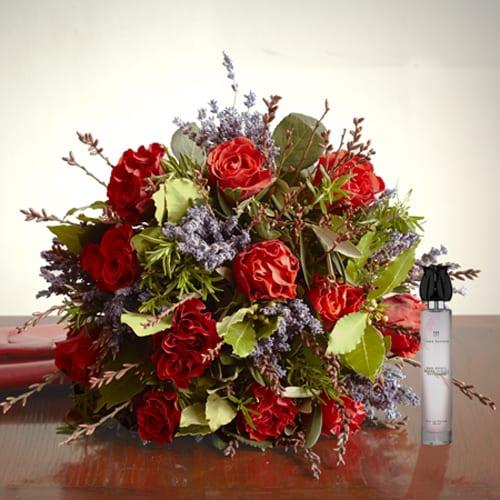 Poppy-Valentine's-Day-Bouquet-Jane-Packer