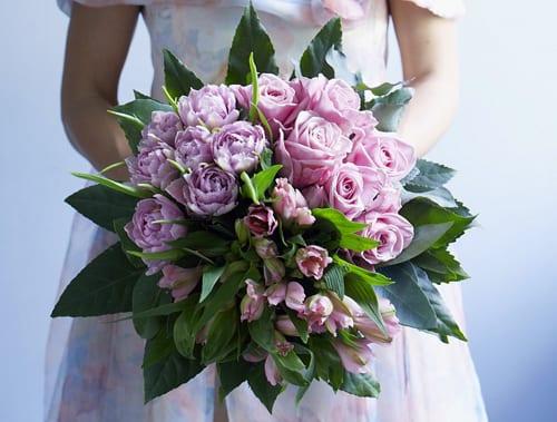 Rose-Cream-Bouquet-Jane-Packer-Delivered