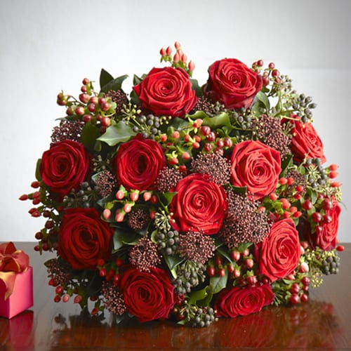 Scarlet-Valentine's-Day-Bouquet-Jane-Packer