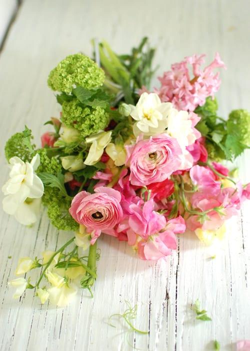 wedding-bouquet-pink-ranunculus-spring-chelsea-frolic