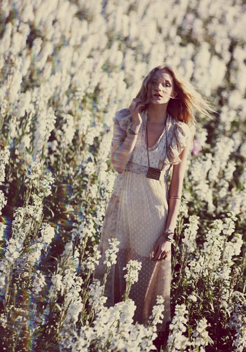 Beautiful images from Free People featuring lots & lots of flowers…