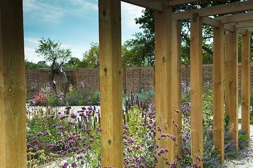 Introducing garden designer jo thompson flowerona for Garden design kent