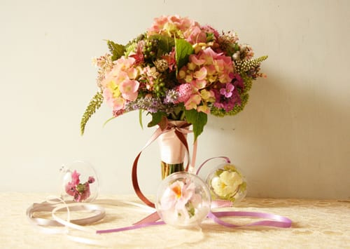 Sabine-Darrall-G-Lily-wedding-flowers