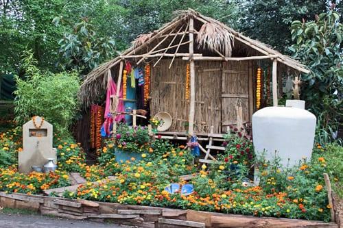 RHS-Chelsea-Flower-Show-2013-Artisan-Garden-Herbert-Smith-Freehills-Garden-for-WaterAid-Flowerona