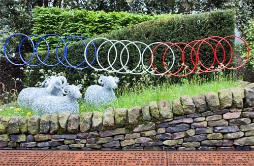 RHS-Chelsea-Flower-Show-2013-Artisan-Garden-Le-Jardin-de-Yorkshire-Flowerona