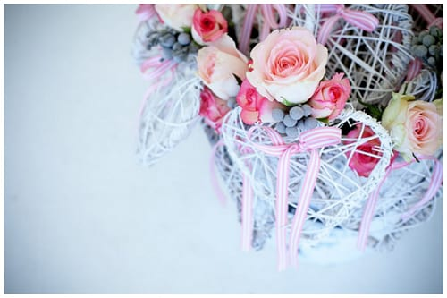 cn019-kleinevalleij-jani-b-pink-grey-real-wedding-flowers