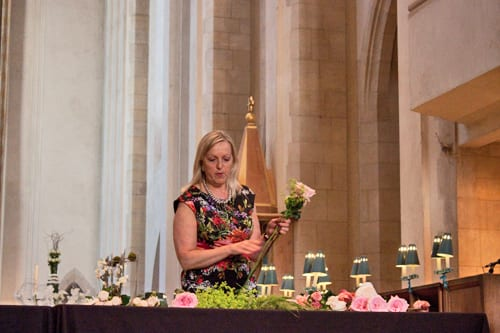 Guildford-Cathedral-Flower-Gala-Paula-Pryke-Demo-Flowerona-16