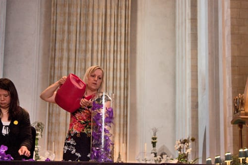 Guildford Cathedral Flower Gala 2013 – Floristry Demonstration by Paula Pryke