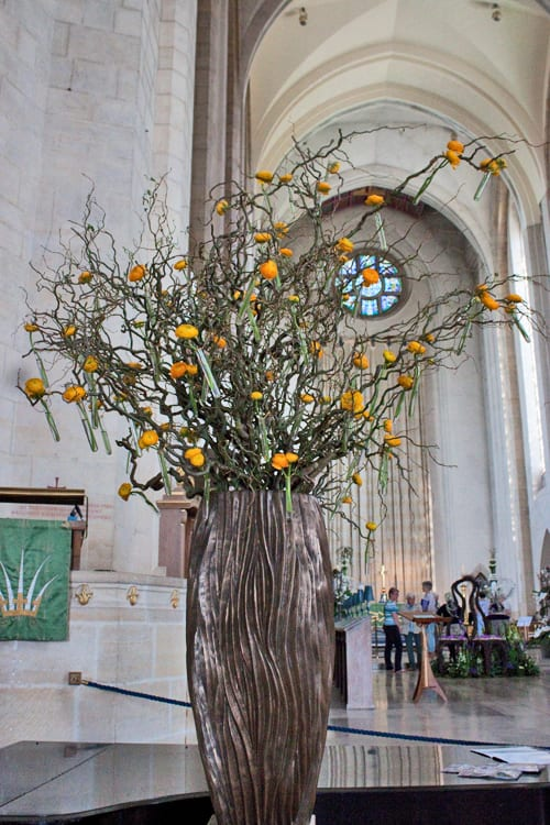 Guildford-Cathedral-Flower-Gala-Paula-Pryke-Flowerona-6