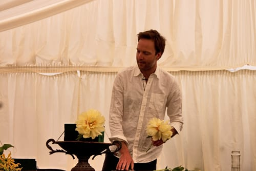Guildford Cathedral Flower Gala 2013 – Floristry Demonstration by Robbie Honey : Part 3