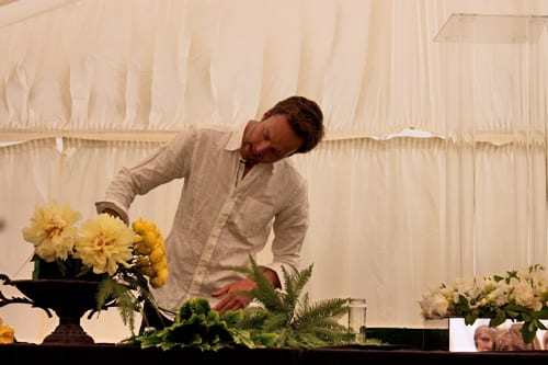 Guildford-Cathedral-Flower-Gala-Robbie-Honey-Demo-Flowerona-3