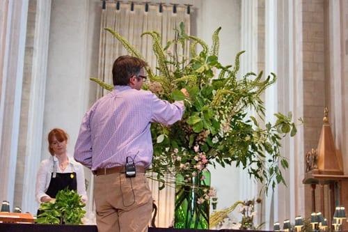 Guildford-Cathedral-Flower-Gala-Shane-Connolly-Demo-Flowerona-5