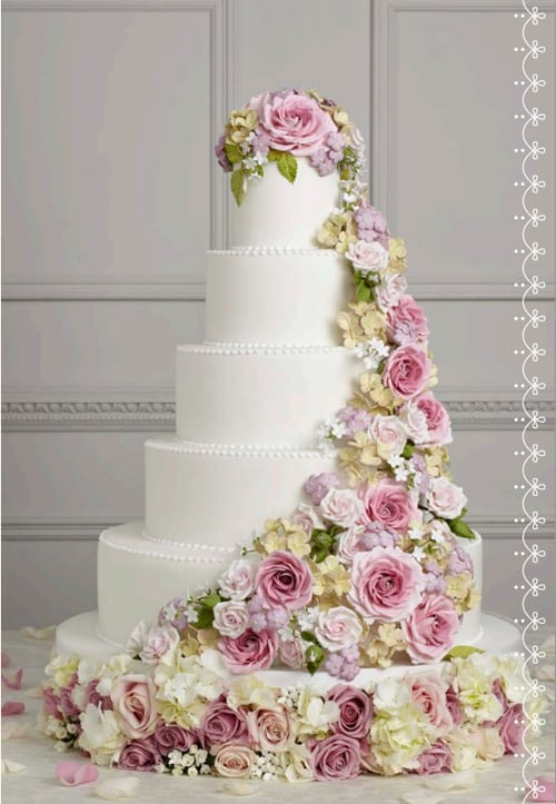 Wedding Wednesday : Floral-inspired iced wedding cakes from Peggy Porschen