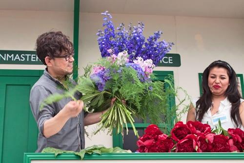 Jane-Packer-Flowers-Hand-Tied-Bouquet-RHS-Hampton-2013-Flowerona