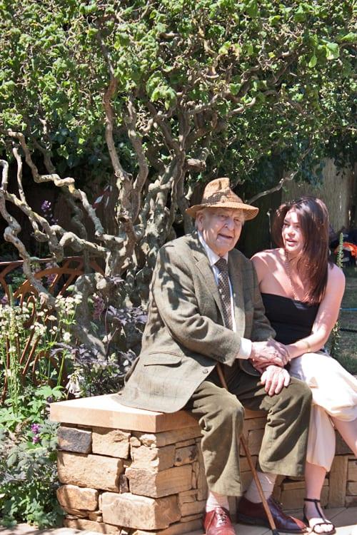 RHS-Hampton-Court-Palace-Flower-Show-2013-A-Cool-Garden-Ruth-Marshall-Sir-Donald-Sinden-Flowerona