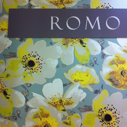 Romo-Floral-Wallpaper-Heals Flowerona