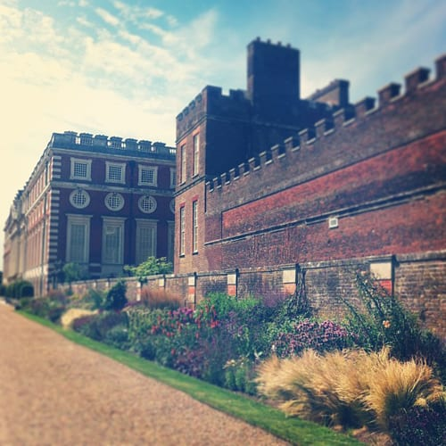 Hampton-Court-Palace-Flowerona