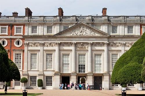 Hampton-Court-Palace-Gardens-Flowerona-14