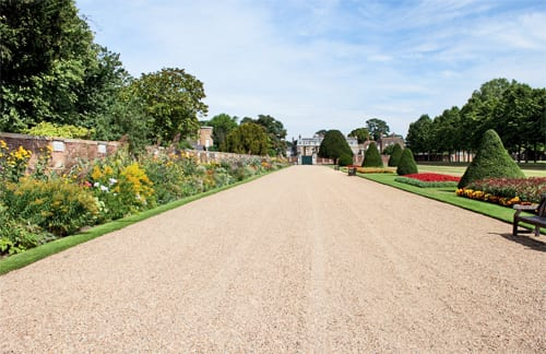 A summer morning at Hampton Court Palace Gardens