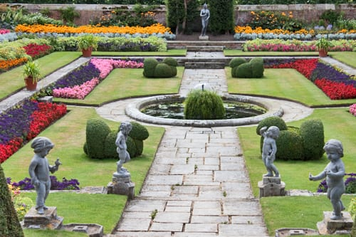 Hampton-Court-Palace-Gardens-Flowerona-6