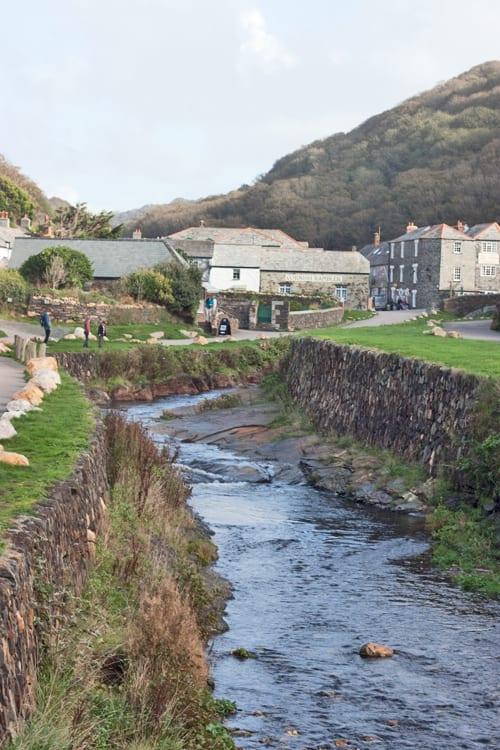 Boscastle-Cornwall-Holiday-Flowerona