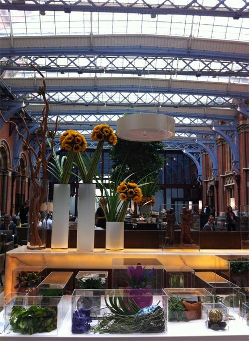 St-Pancras-Renaissance-Hotel-Flowerona-1