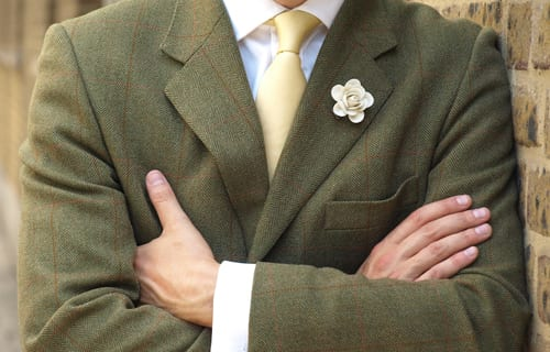 boutonniere-on-tweed