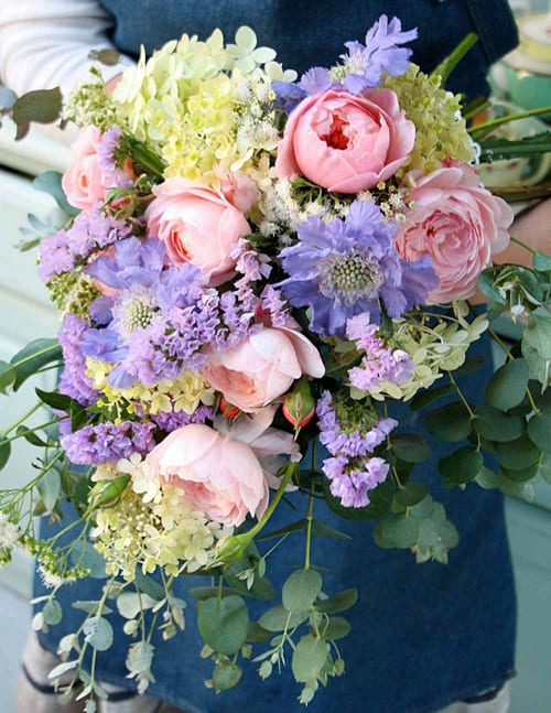 Green-and-Gorgeous-Rose-'Queen-of-Sweden'-bridal-bouquet