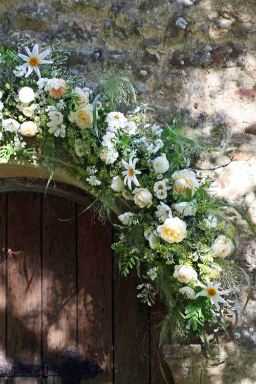 Green-and-Gorgeous-September-flower-garland