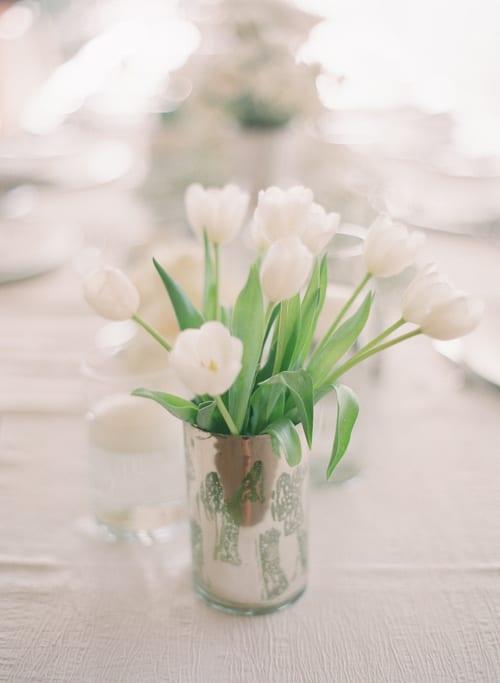 7 Simple ways to arrange tulips in your home | Flowerona
