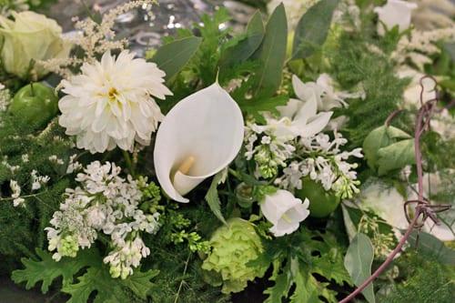 Zita-Elze-Wedding-Flowers-Sandown-Park-2013-Flowerona