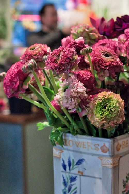 Bering-Flowers-Copenhagen-Denmark-Florist-Flowerona-Pon-Pon-Ranunculus