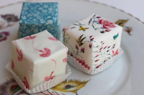 Cakes-by-Nicola-Holbrooke-cakecubes