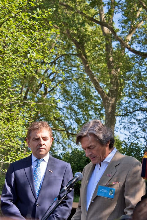Celebrities-&-Behind-the-Scenes-on-Press-Day-RHS-Chelsea-Flower-Show-2014-Flowerona-Rowan-Atkinson-Nigel-Havers-2