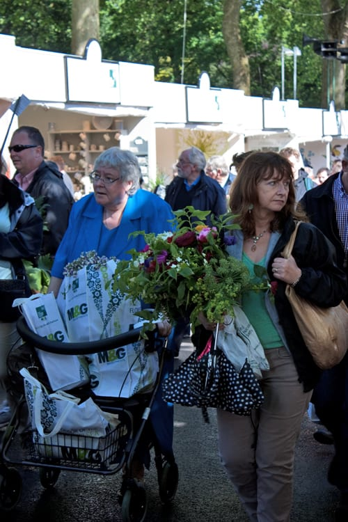 RHS Chelsea Flower Show 2014 – The Sell Off & 'Walking Garden'
